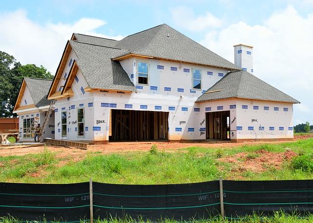 Elewacje i Budowa domu. Wybierz najlepsze bramy garażowe